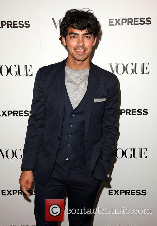 joe jonas express and vogue celebrate the 4102614