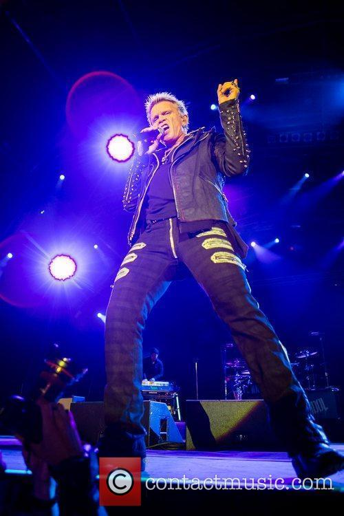 billy idol performing during the 3rd day 3999695