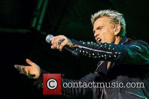 billy idol performing during the 3rd day 3999709