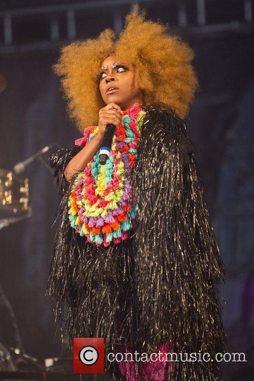 ebony bones performing during the 3rd day 3999707