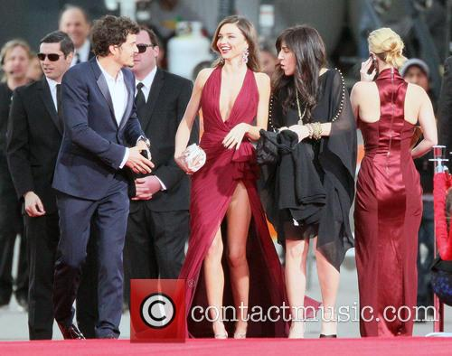 Orlando Bloom, Miranda Kerr and Beverly Hilton Hotel 8
