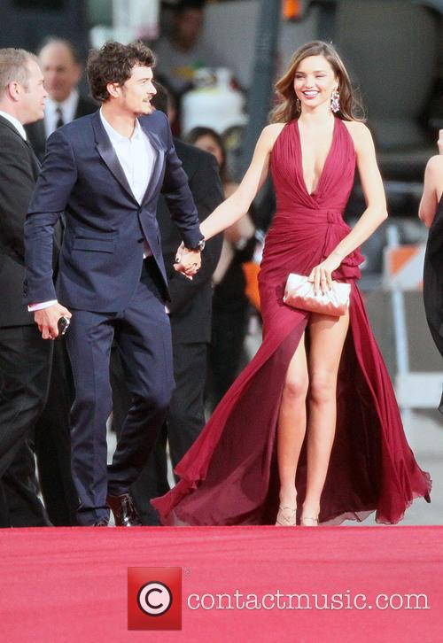 Orlando Bloom, Miranda Kerr and Beverly Hilton Hotel 5