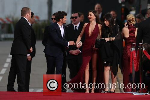 Orlando Bloom, Miranda Kerr and Beverly Hilton Hotel 45
