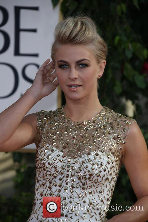 Julianne Hough, Beverly Hilton Hotel