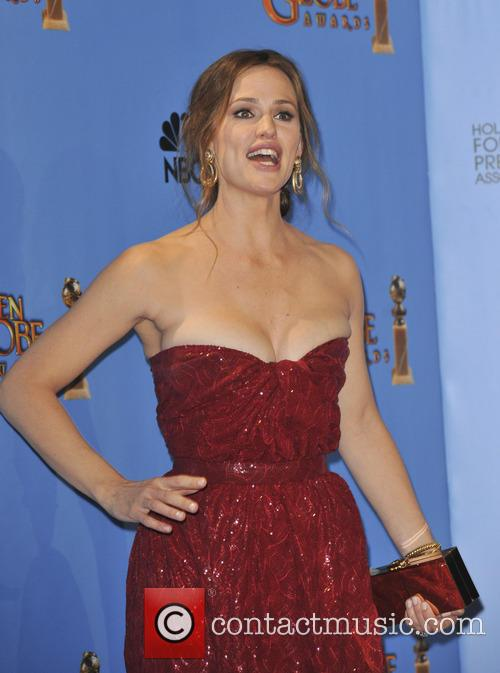 Jennifer Garner and Beverly Hilton Hotel 3