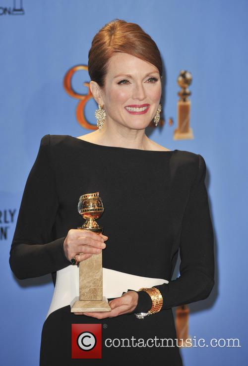 Julianne Moore and Beverly Hilton Hotel 2