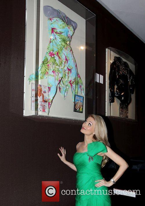 Holly Madison and Caesars Palace 8