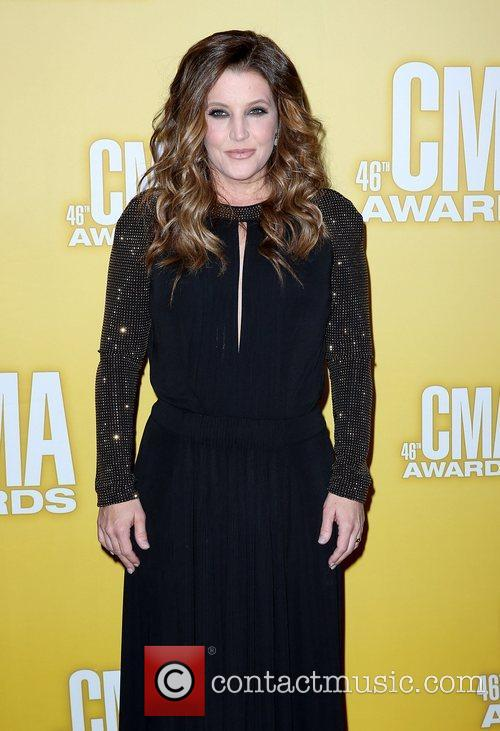 Lisa Marie Presley and Cma Awards 1