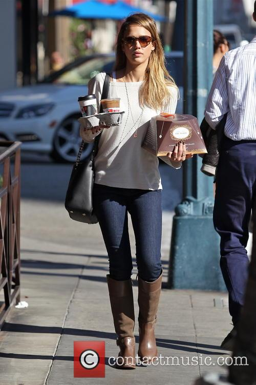 Jessica Alba, Tres Marie and Beverly Hills 7