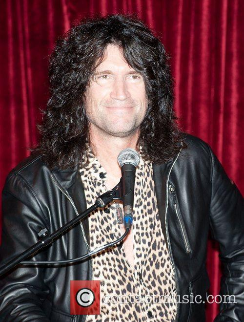 Tommy Thayer  Members of U.S. rock band...