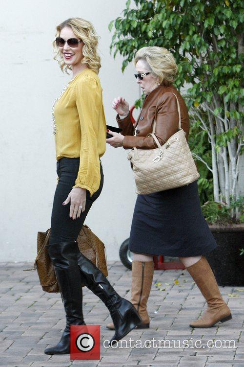 Katherine Heigl and Nancy Heigl 7