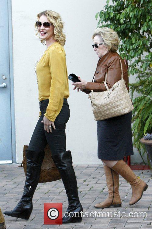 Katherine Heigl and Nancy Heigl 9
