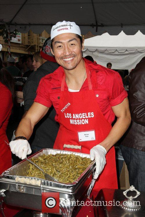 Brian Tee Los Angeles Mission Christmas Eve For...