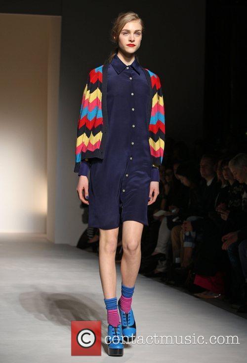 Model and London Fashion Week 9