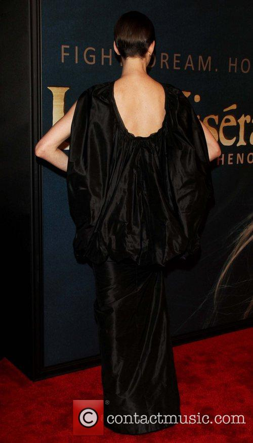 Anne Hathaway and Ziegfeld Theatre 8