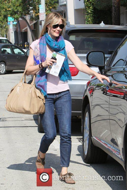 Leslie Bibb seen leaving Salon Benjamin carrying a...