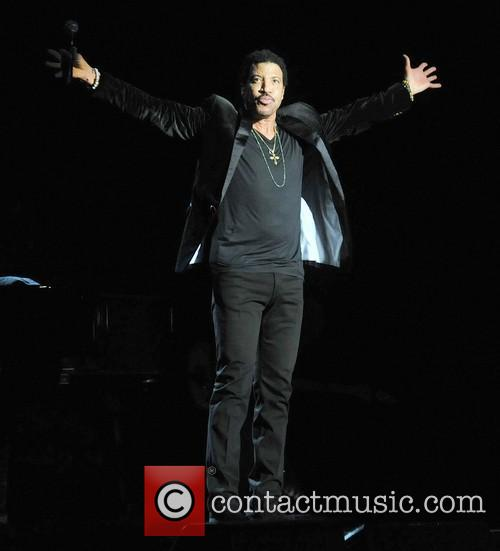 Lionel Richie and Arena 2