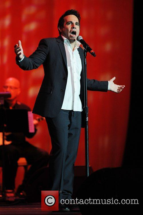 mario cantone appears at the seminole hard 4122872