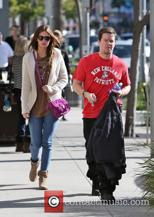 Rhea Durham and Mark Wahlberg 8