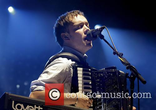 Mumford & Sons, Sons Performing and Manchester Arena 8