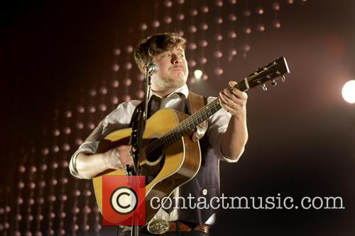 Mumford & Sons, Sons Performing and Manchester Arena 1