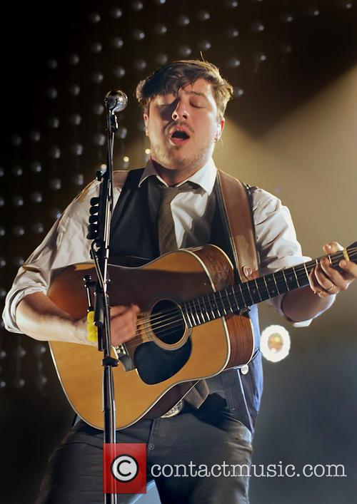 Mumford & Sons, Sons Performing and Manchester Arena 6