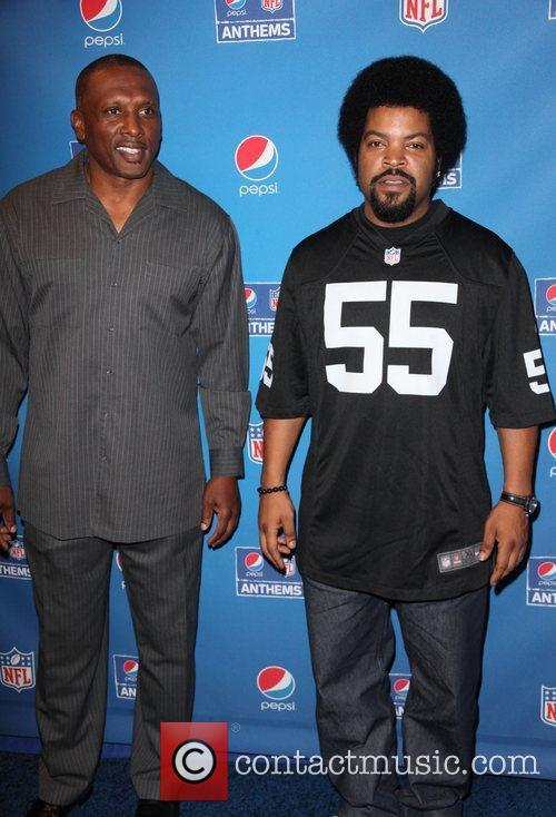 tim brown ice cube celebrate the start 4058814