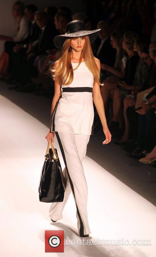Model, Rachel Zoe and New York Fashion Week 8