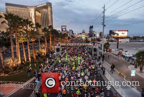 Zappos.com Rock and Roll Vegas Marathon 9