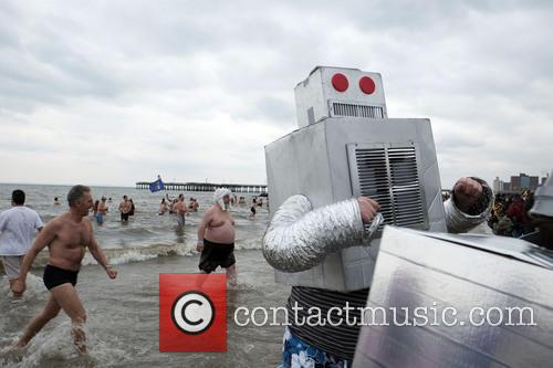 swimmers Brave New Yorkers take an Icy cold...