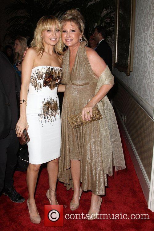 Nicole Richie and Kathy Hilton 3