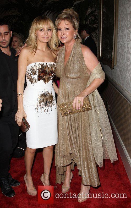 Nicole Richie and Kathy Hilton 4