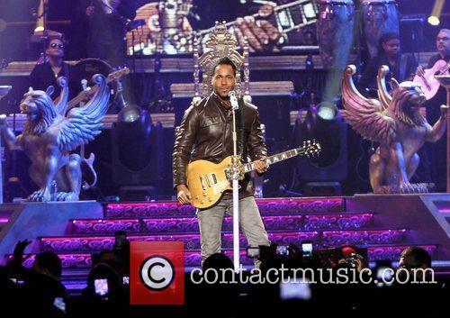 romeo santos performing live in concert at 3748107