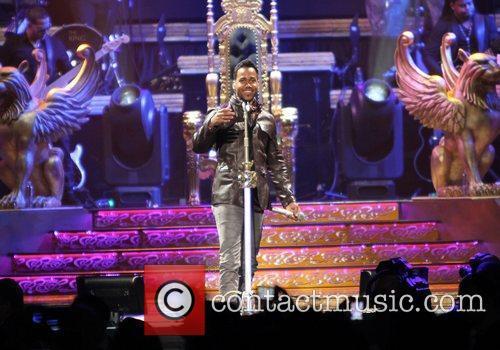 romeo santos performing live in concert at 3748128