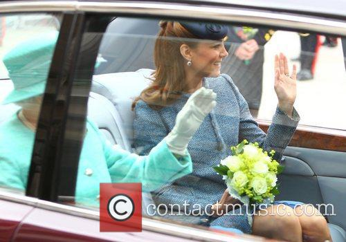 Queen Elizabeth Ii and Kate Middleton 3
