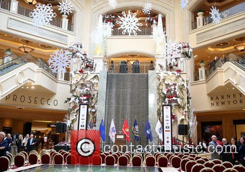 The Venetian/Palazzo Las Vegas Celebrates The Holidays With...