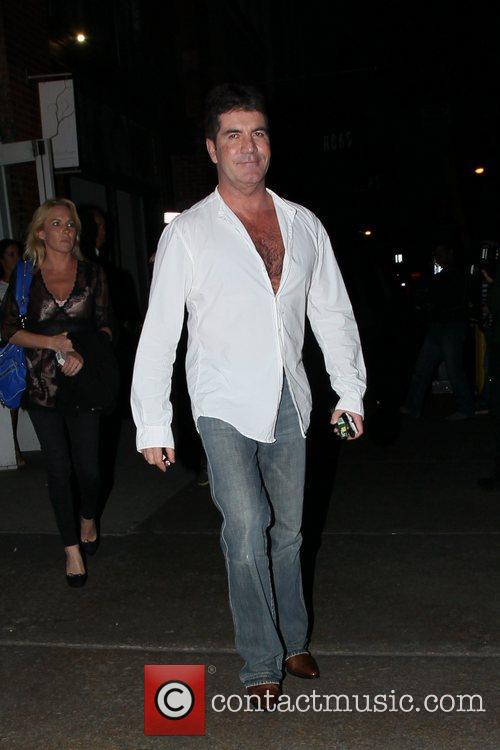Simon Cowell leaving the ABC Kitchen, the music...