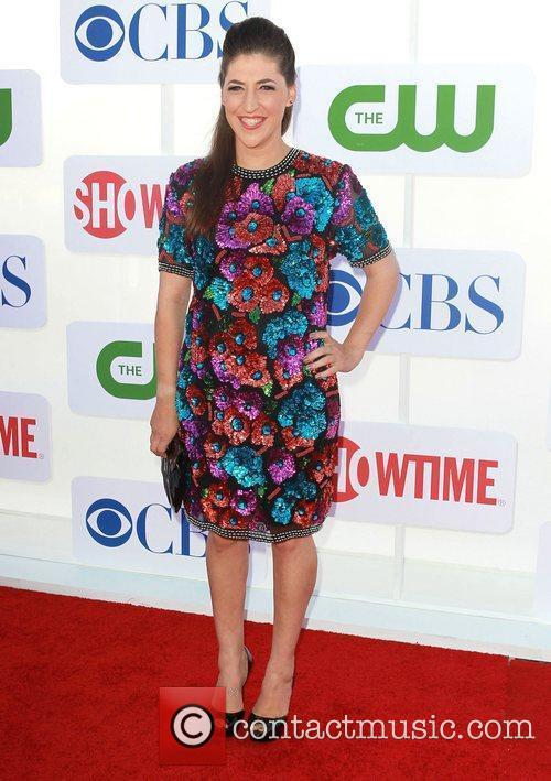 Mayim Bialik and Beverly Hilton Hotel 3