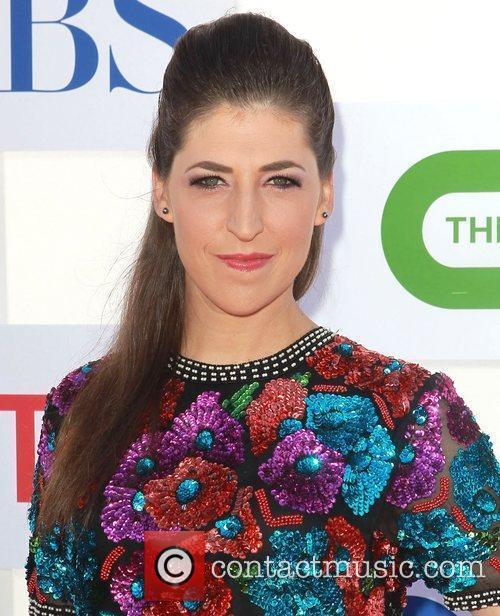Mayim Bialik and Beverly Hilton Hotel 4
