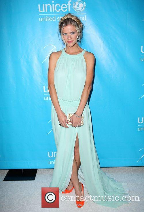 brooklyn decker the 2011 unicef ball at 3648701