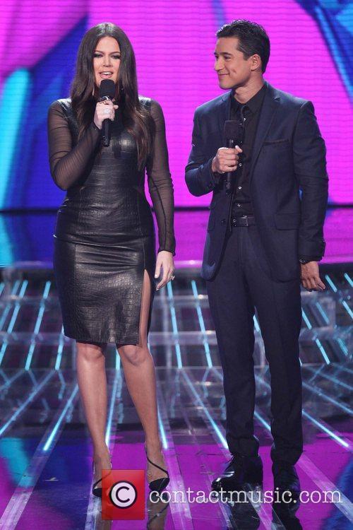Khloe Kardashian, Mario Lopez and The X Factor 1