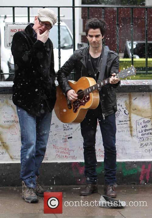 Chris Evans and Kelly Jones 3