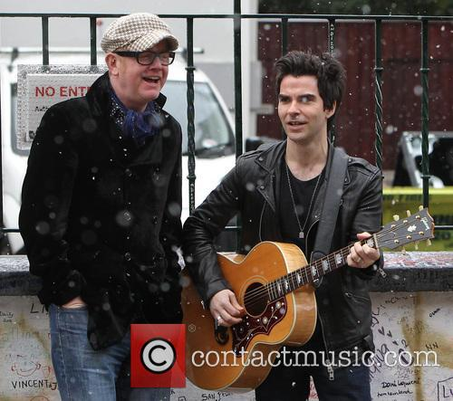 Chris Evans and Kelly Jones 11