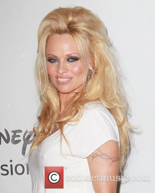 Pamela Anderson 44