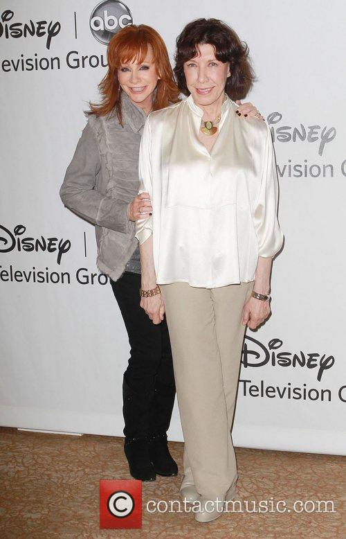 Reba Mcentire and Lily Tomlin 2