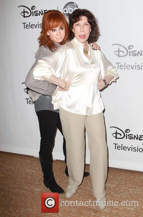 Reba McEntire and Lily Tomlin 1