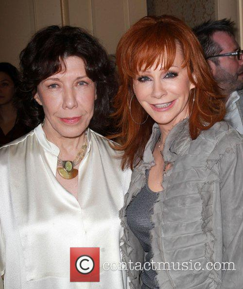 Reba McEntire and Lily Tomlin 14