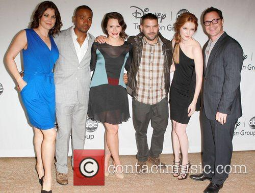 Bellamy Young, Columbus Short, Katie Lowes, Guillermo Diaz,...