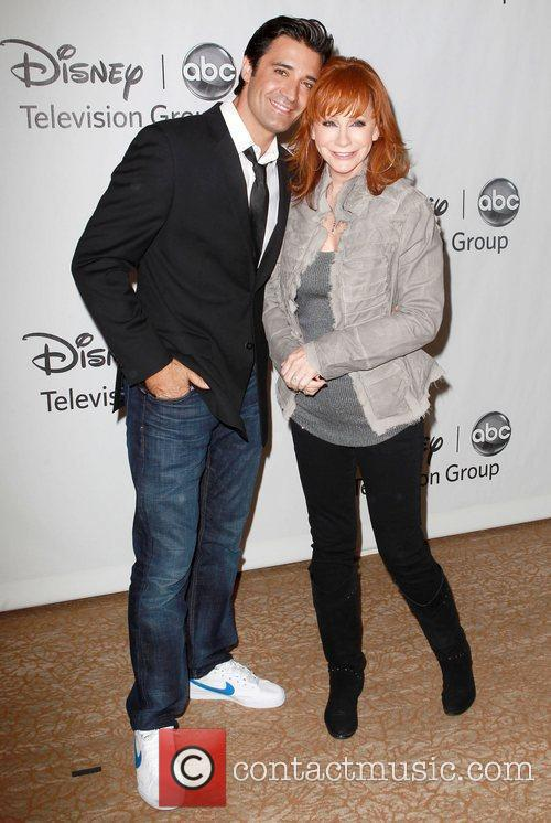 Gilles Marini, Reba Mcentire and Beverly Hilton Hotel 10