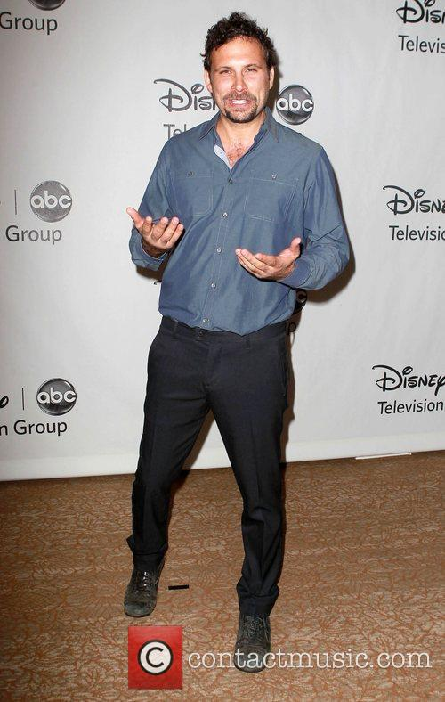Jeremy Sisto and Beverly Hilton Hotel 2